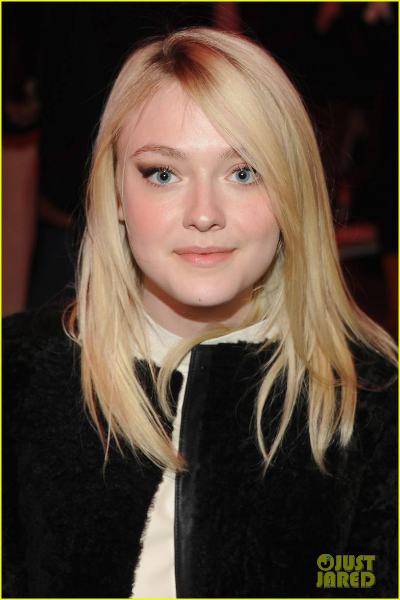 dakota fanning covers up at proenza schouler fashion show 02