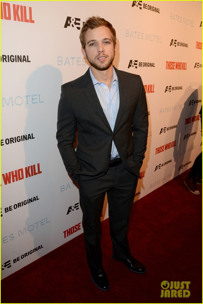 vera farmiga max thieriot celebrate bates motel season 2 103061363