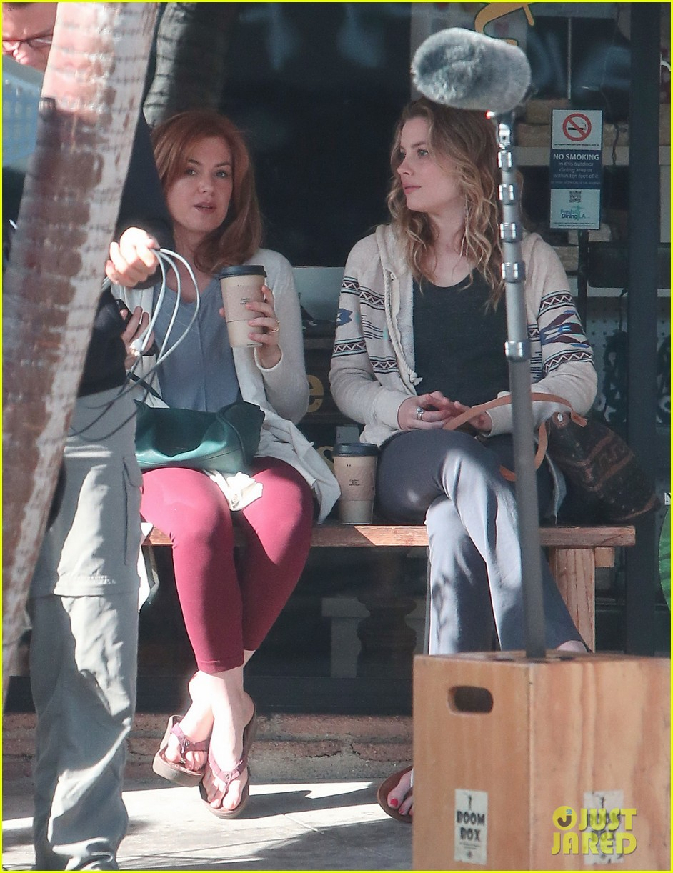 isla fisher gillian jacobs start work on horror flick visions 063052694