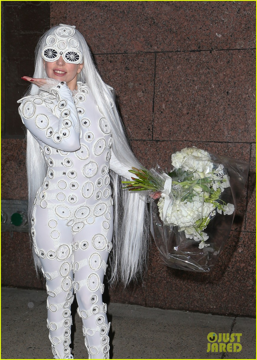 lady gaga is a bride see her throwing a bouquet of flowers 043057624