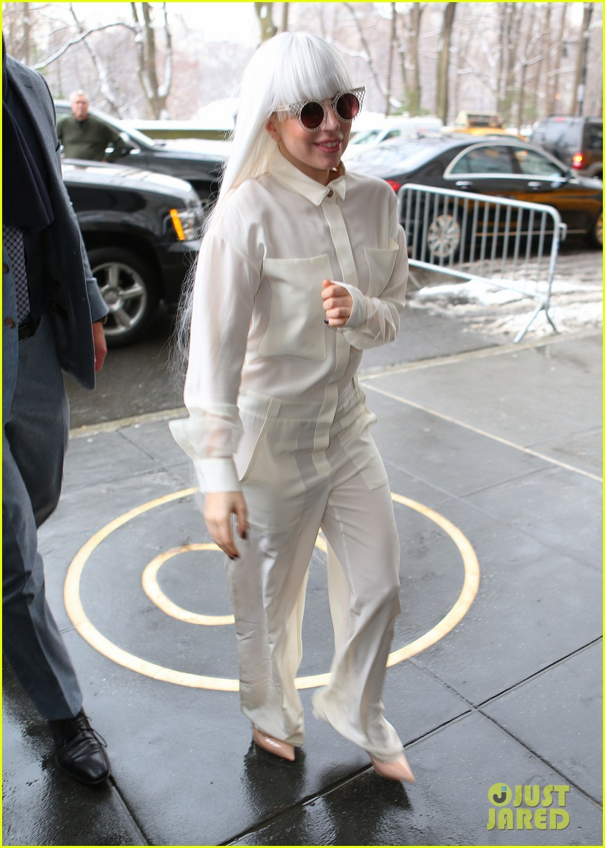 lady gaga so excited to perform on tonight show this evening 01