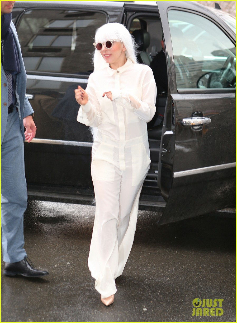 lady gaga so excited to perform on tonight show this evening 08