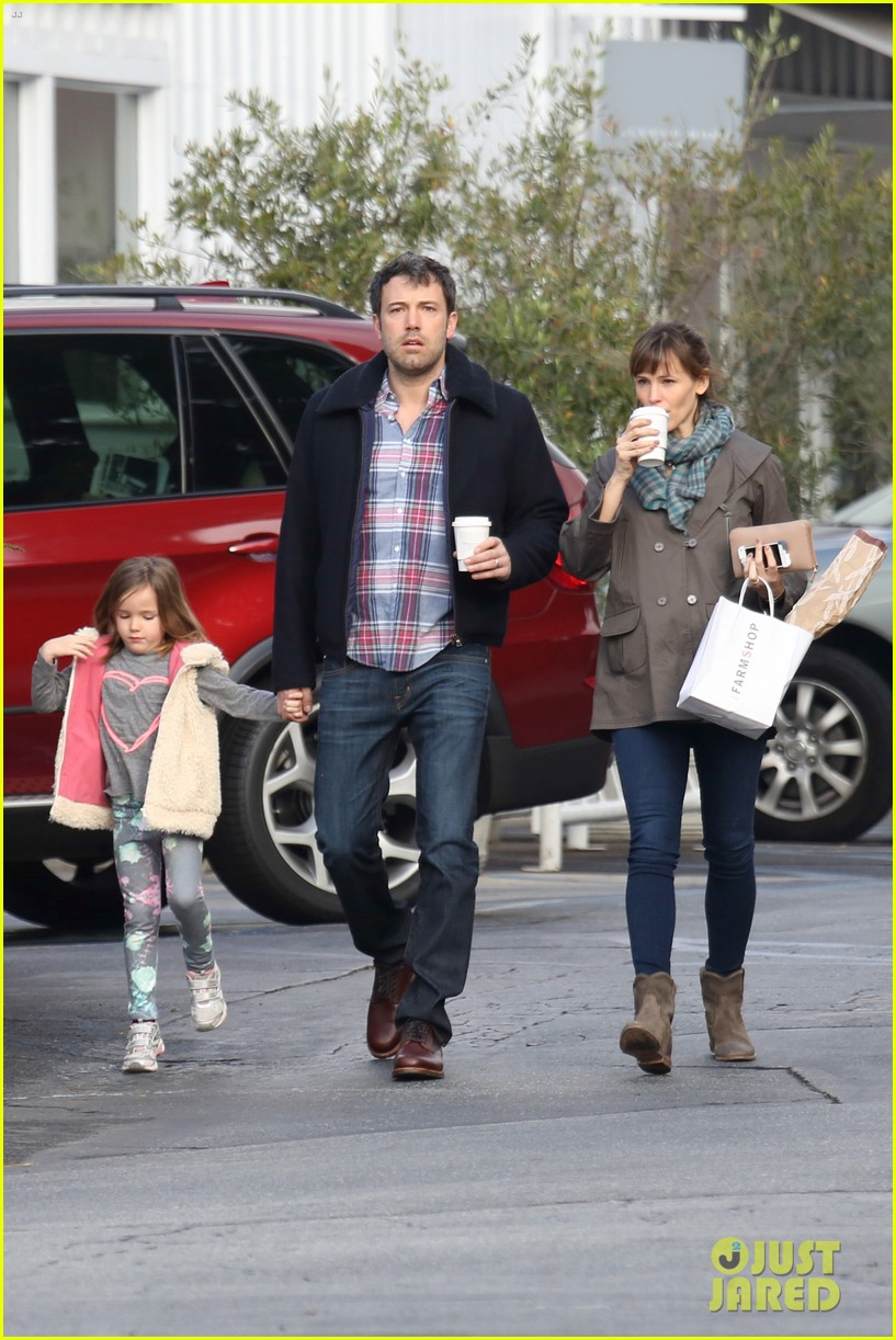 jennifer garner ben affleck will spend the summer in detroit 19