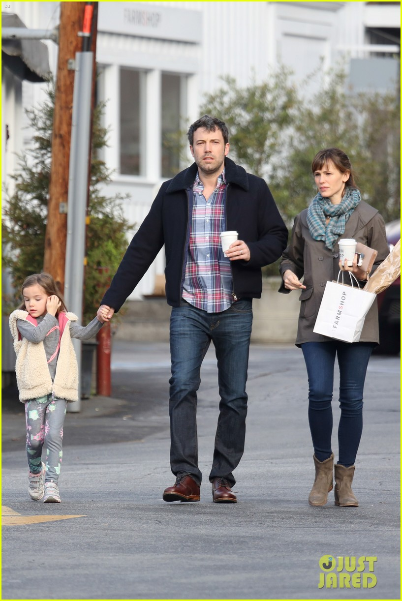 jennifer garner ben affleck will spend the summer in detroit 20