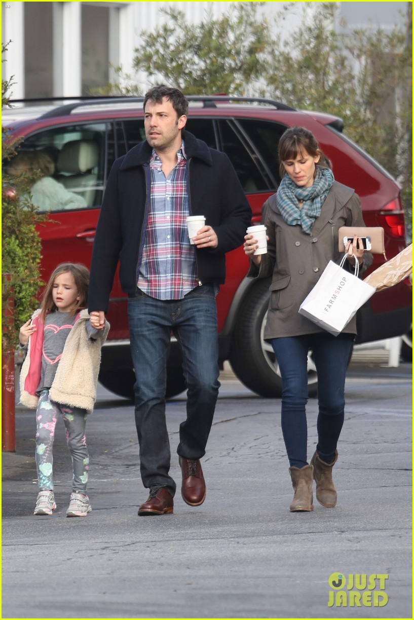 jennifer garner ben affleck will spend the summer in detroit 21