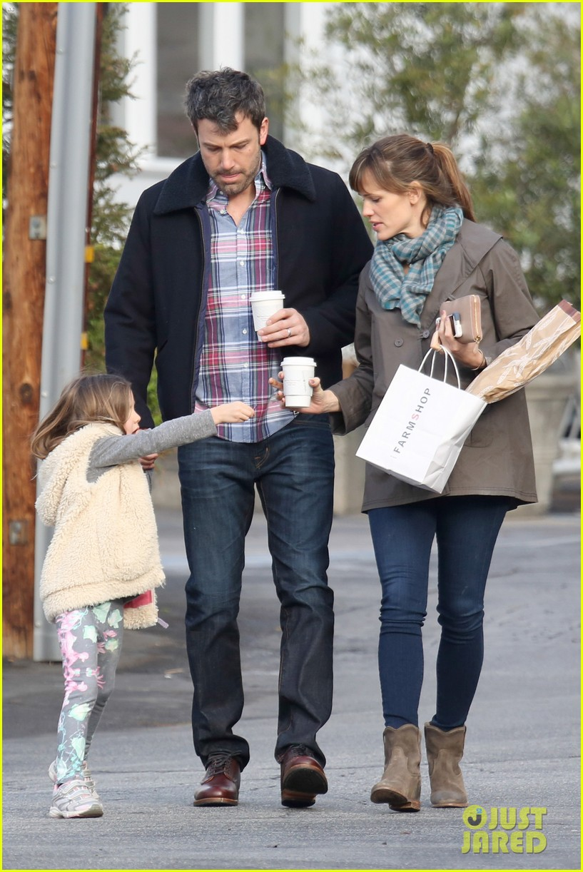 jennifer garner ben affleck will spend the summer in detroit 22