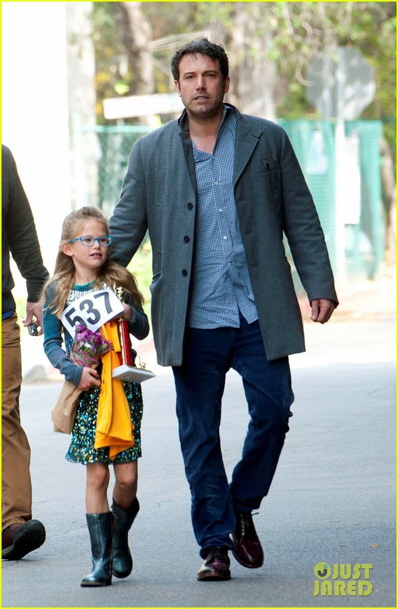 jennifer garner ben affleck put family first spend weekend with their kids 03