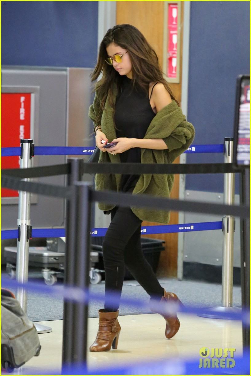 selena gomez is back in los angeles after quick trip away 03