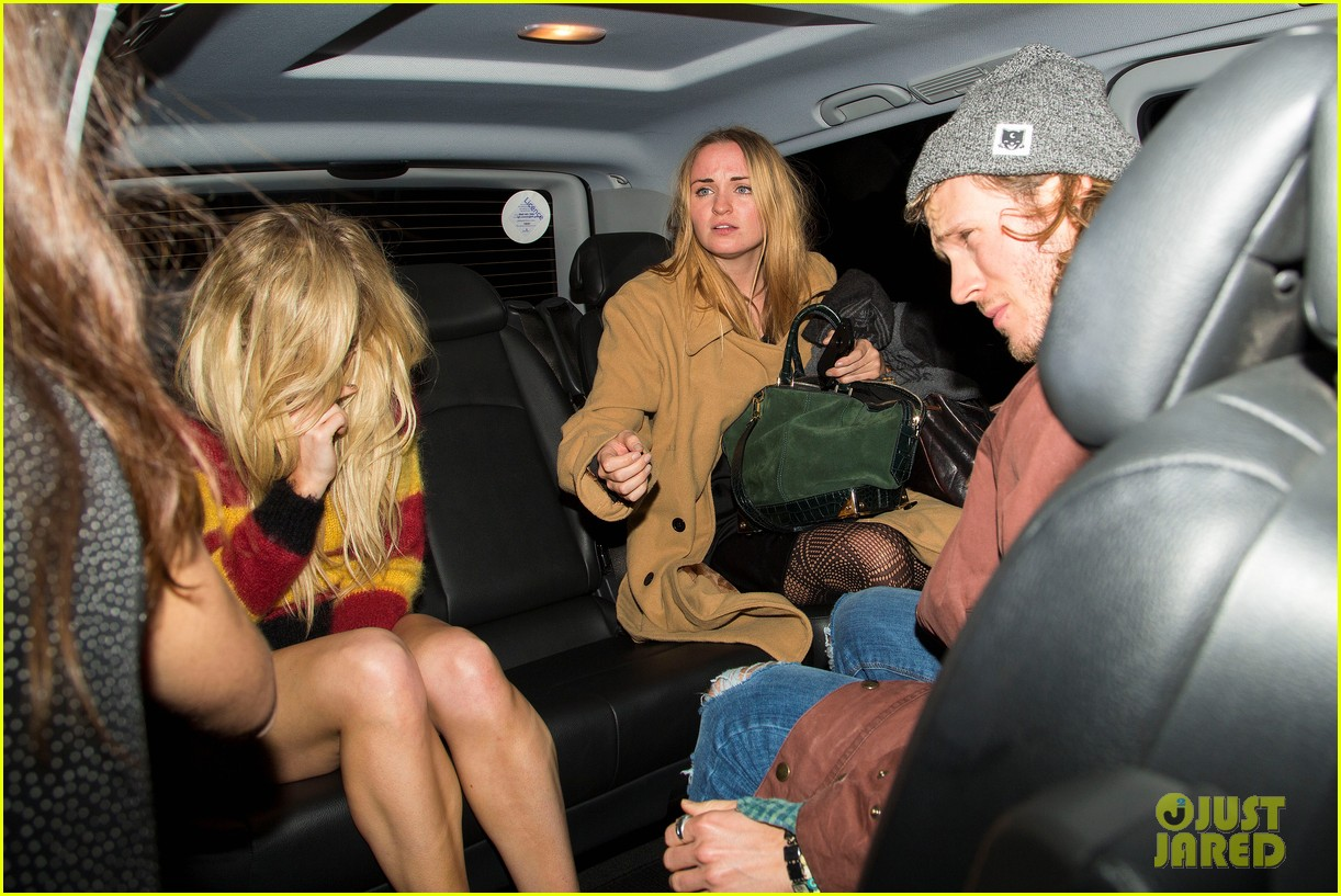 ellie goulding rumored boyfriend dougie poynter step out together 14