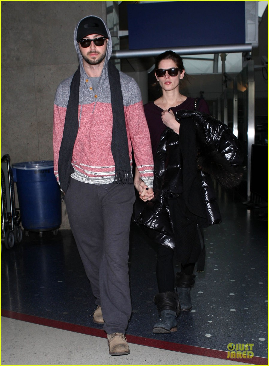 ashley greene paul khoury hold hands after super bowl game 05
