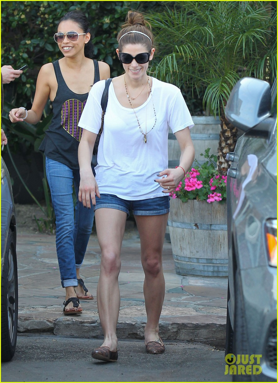 ashley greene paul khoury look so happy while lunching with friends 06