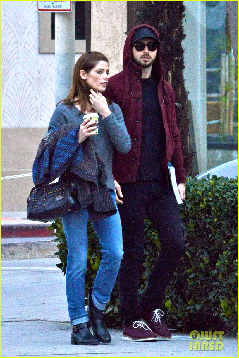 ashley greene paul khoury look in love while shopping 043049128