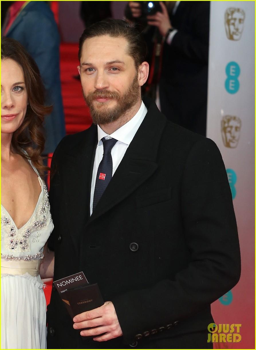 tom hardy baftas 2014 red carpet 04