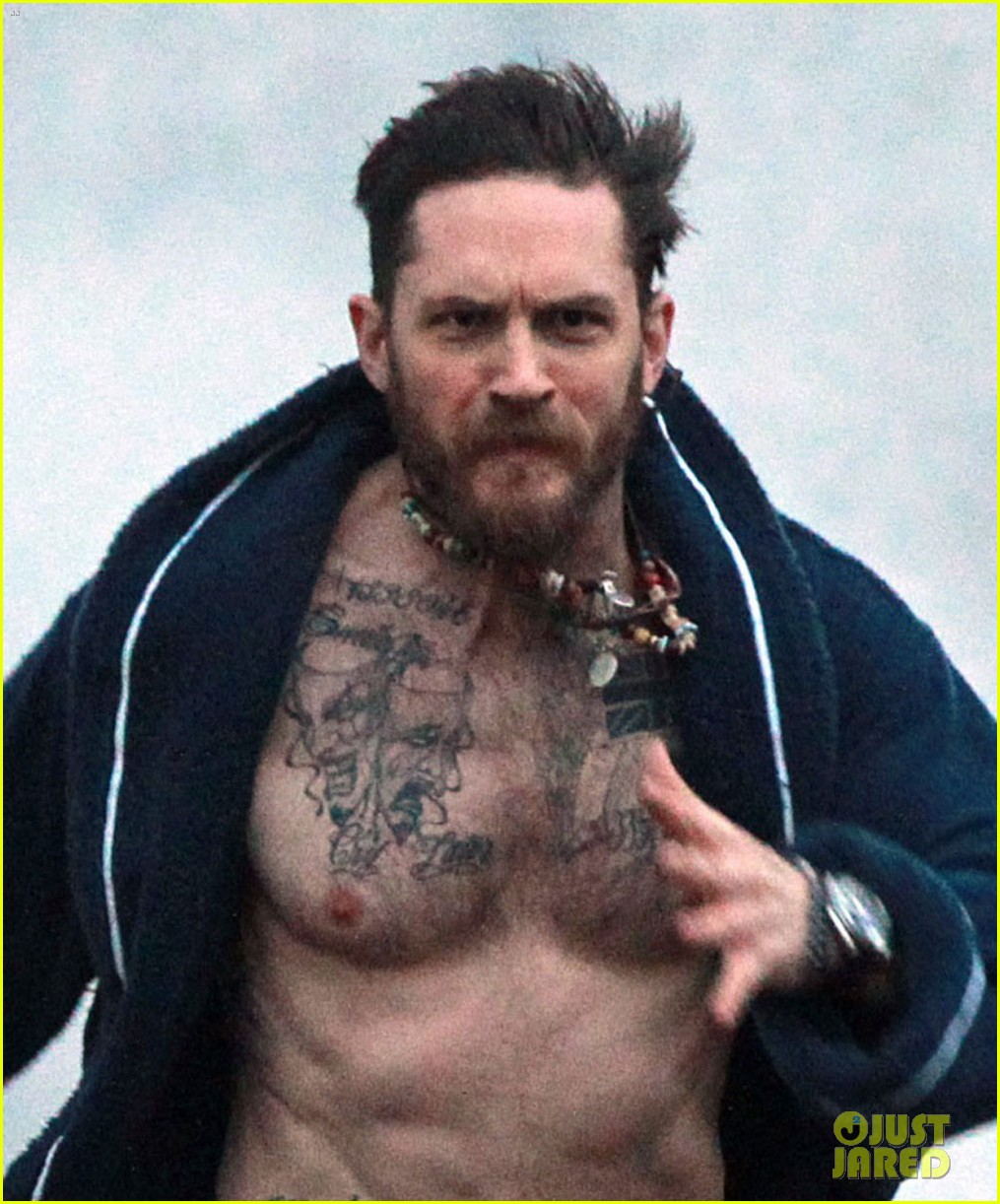 tom hardy runs shirtless in his boxers for stand up to cancer 03