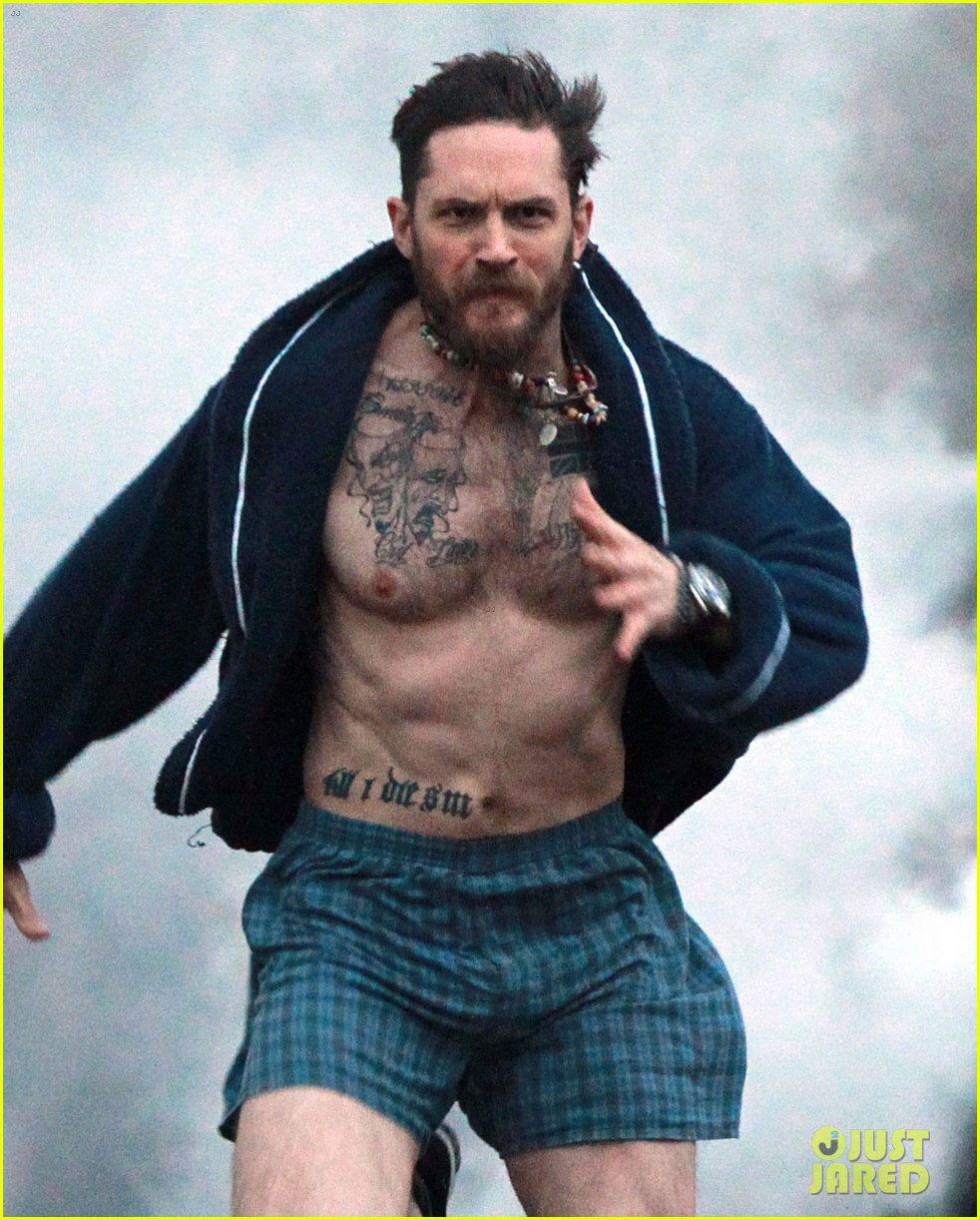 tom hardy runs shirtless in his boxers for stand up to cancer 053059802
