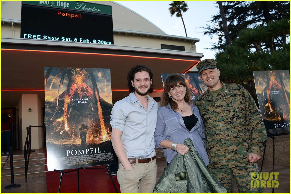 kit harington brings his movie pompeii to miramar naval base 123050755