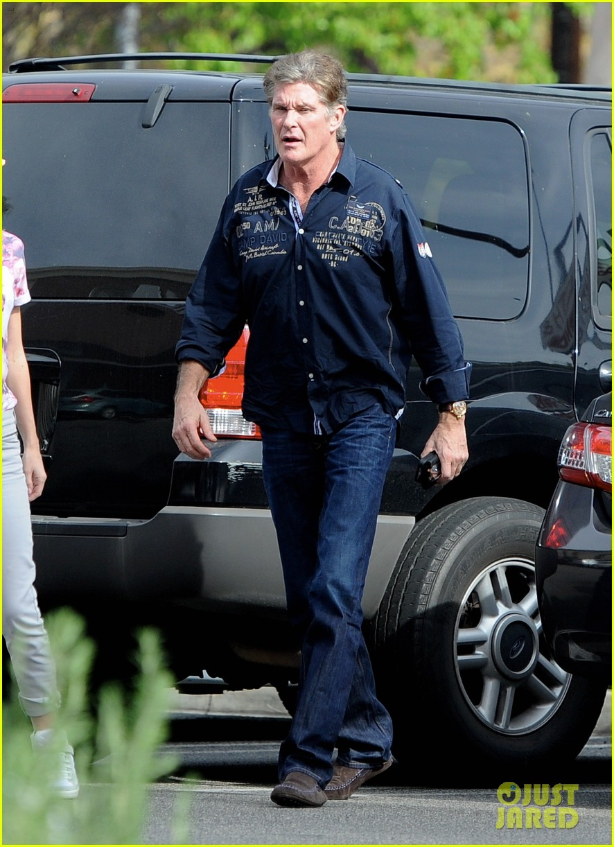 david hasselhoff changes his shirt in middle of a parking lot 203054129