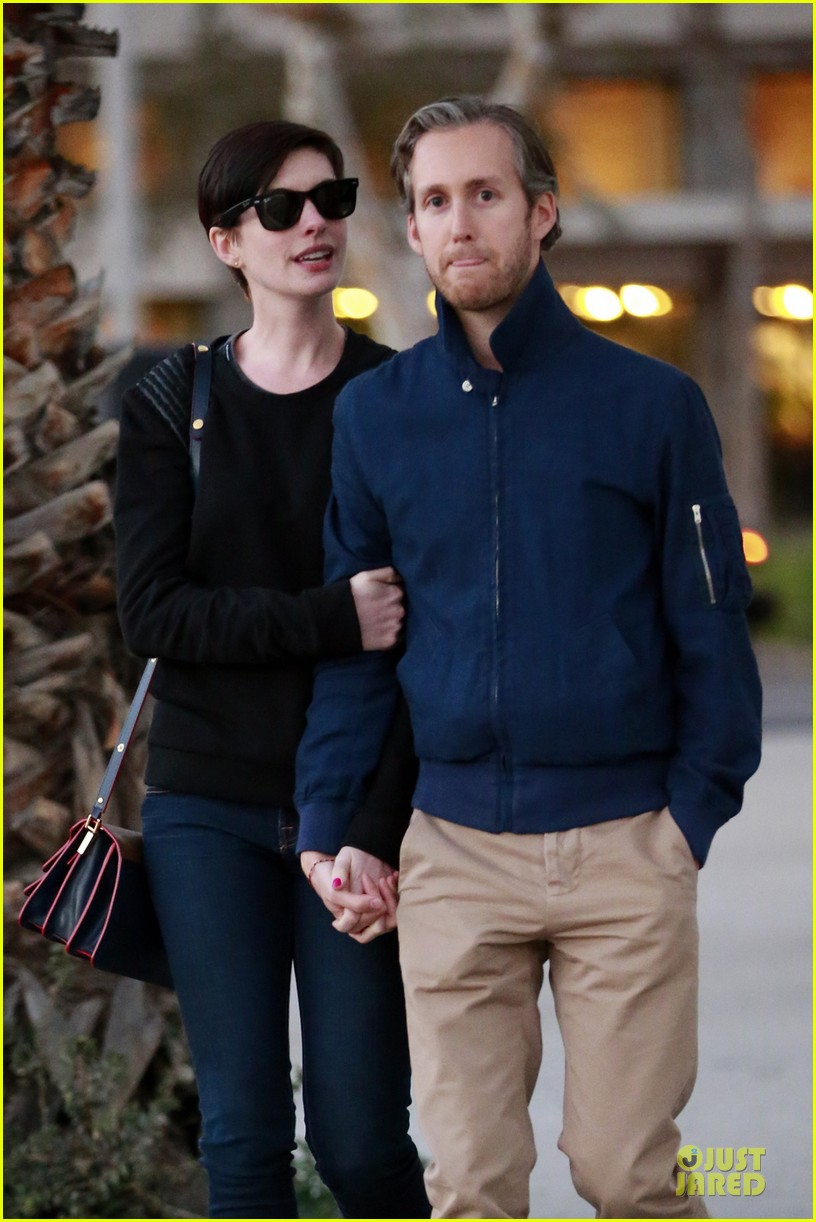 anne hathaway adam shulman shop for a classic car 023047206