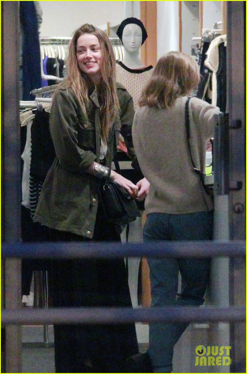 amber heard future step daughter lily rose depp laugh bond while shopping 05