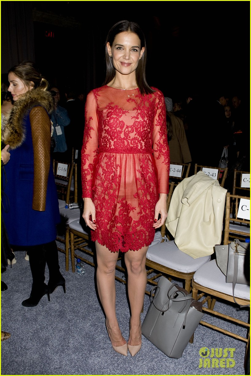 Katie Holmes: Lady in Red at Marchesa Fashion Show!: Photo ...