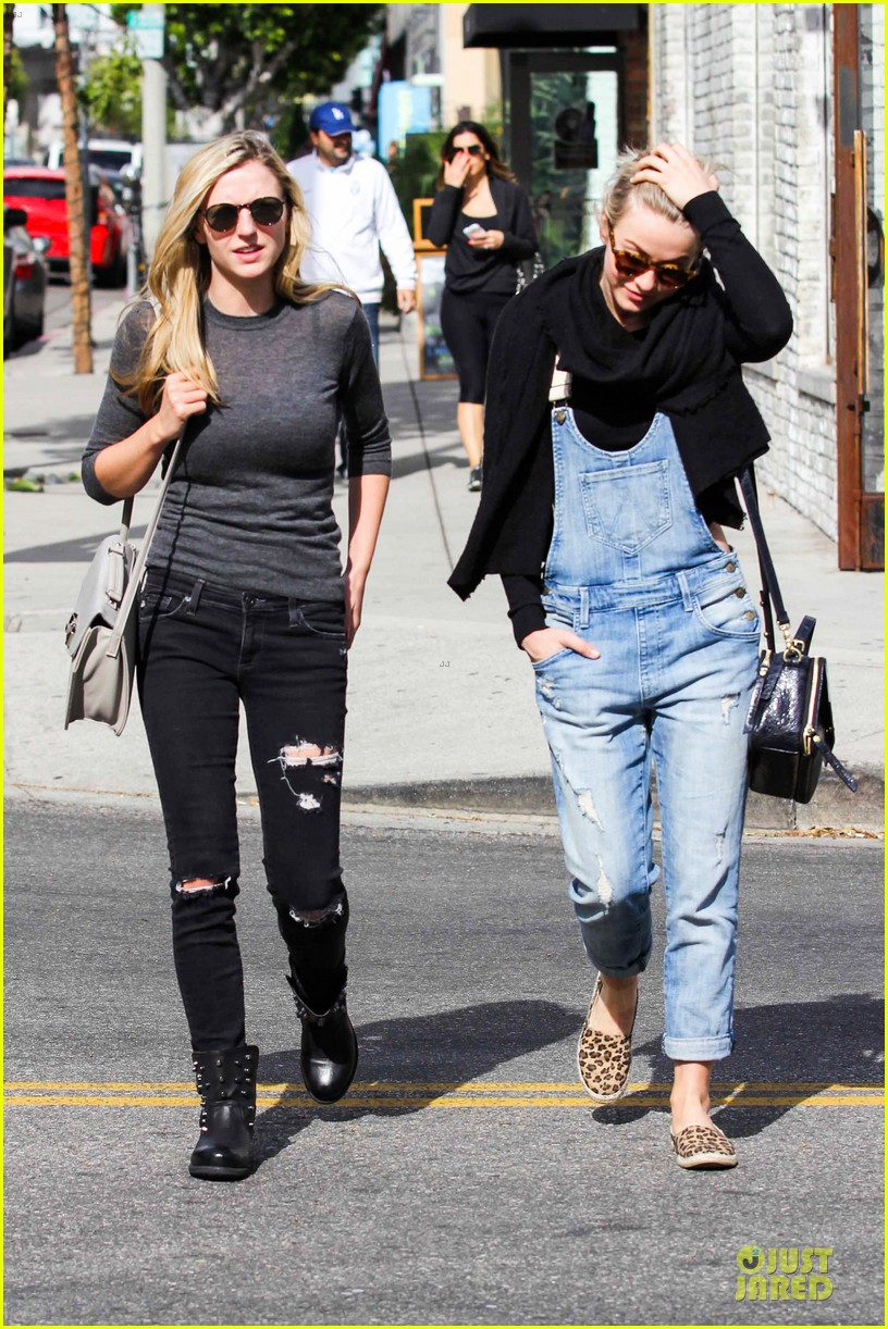 julianne hough sports denim overalls for newsroom brunch 013046692