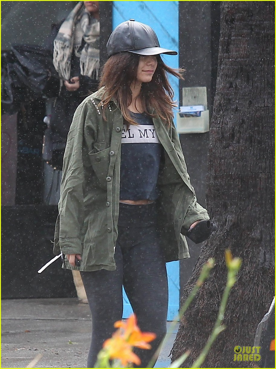 vanessa hudgens battles rain for pilates workout 02