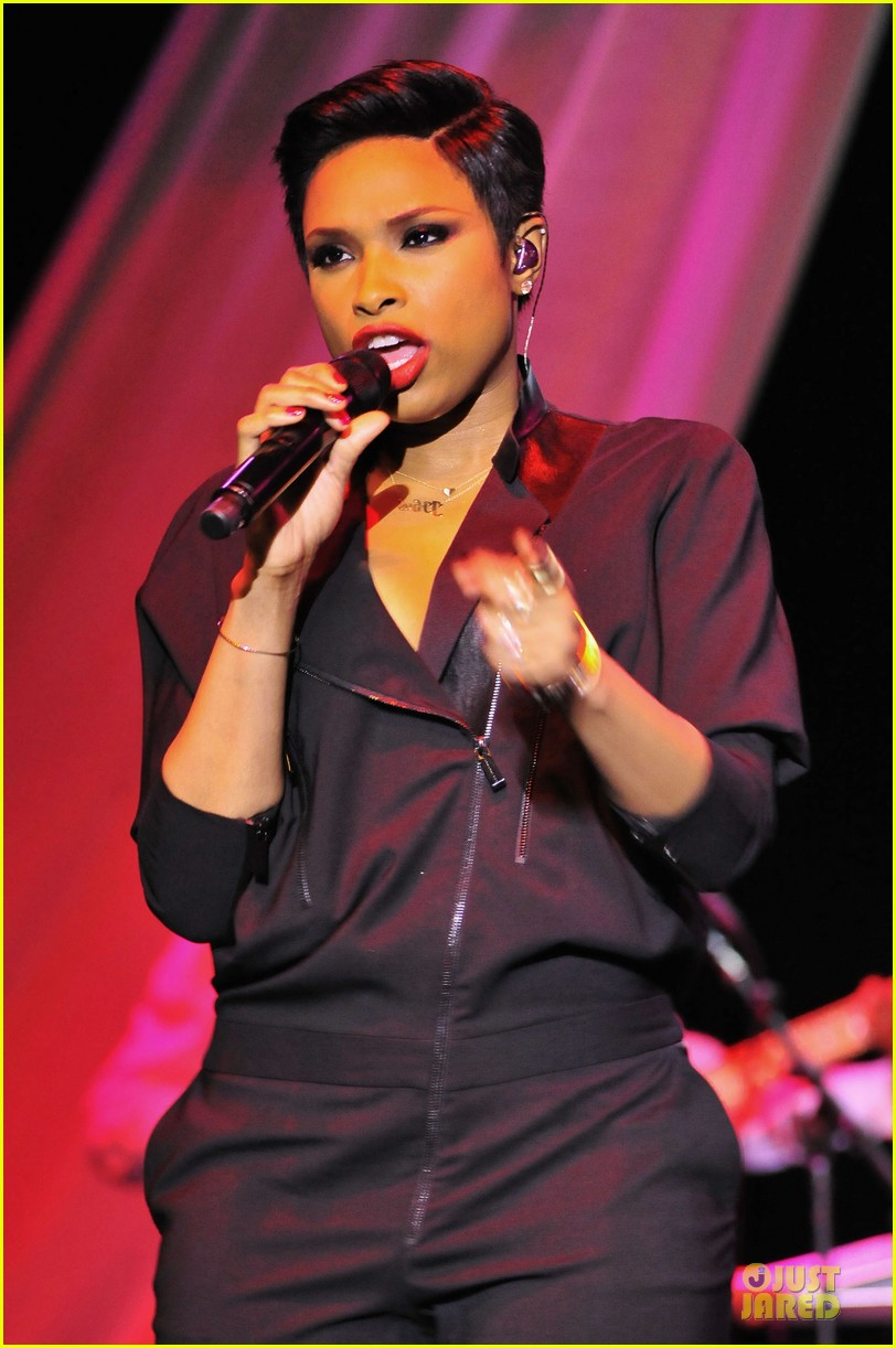 jennifer hudson gives the key for losing weight 043058494