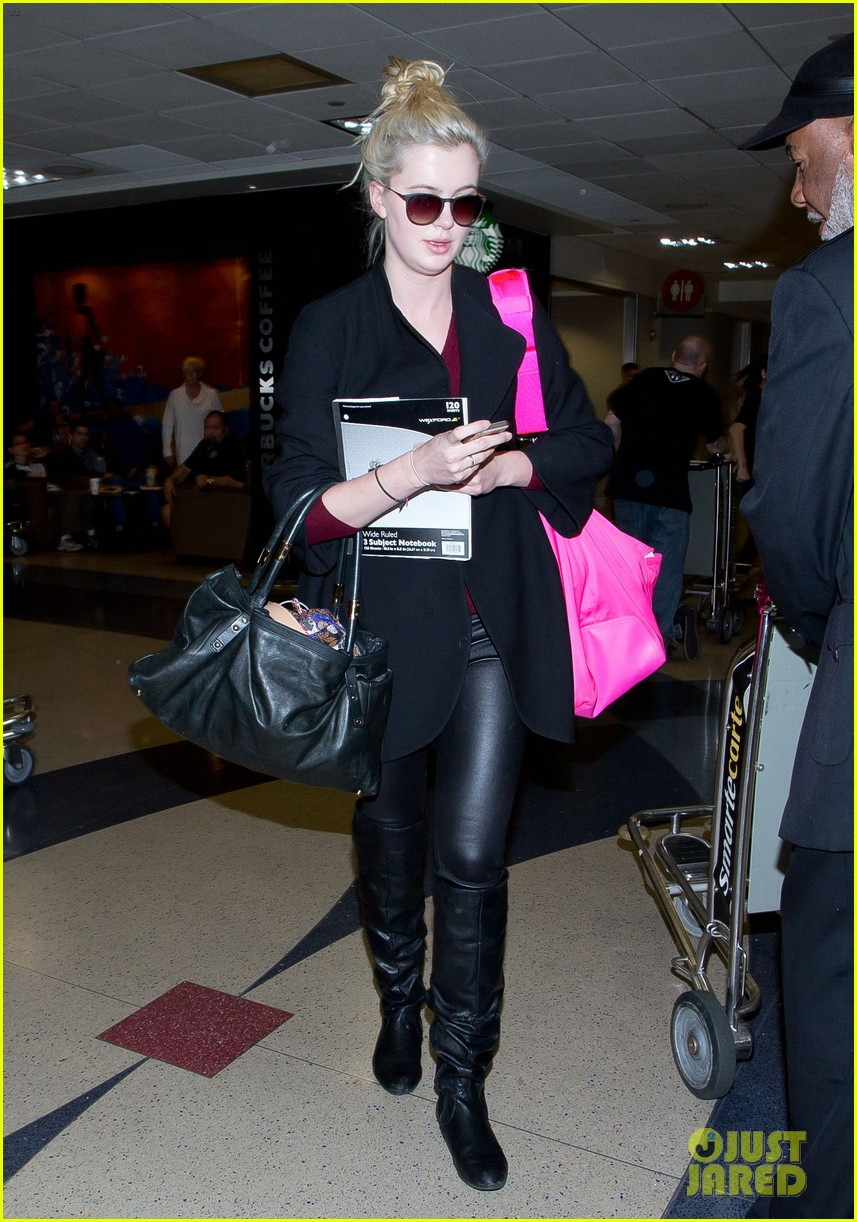 ireland baldwin heads back to los angeles after nyfw 063054409
