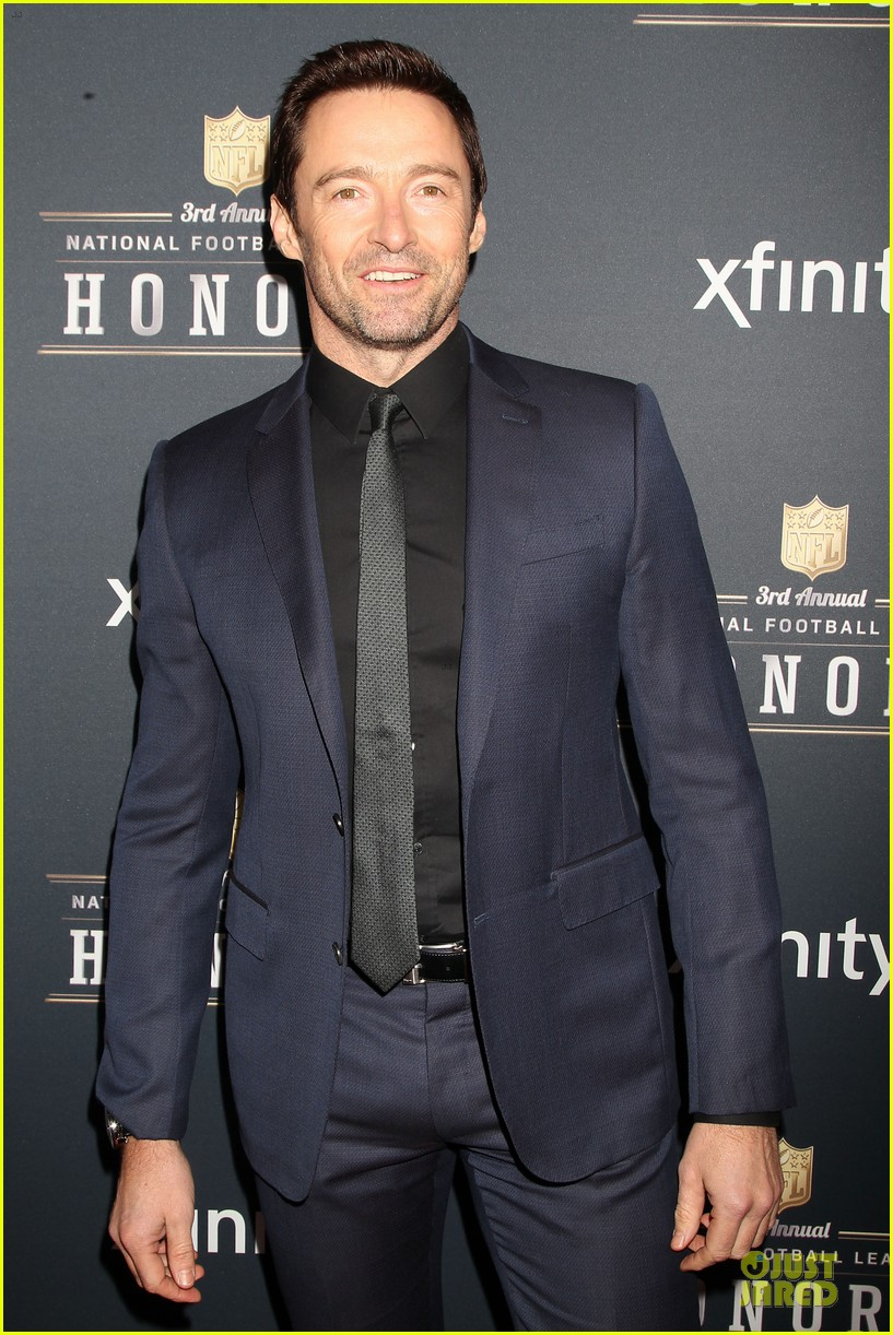 hugh jackman colin kaepernick suit up nfl honors 2014 083046389