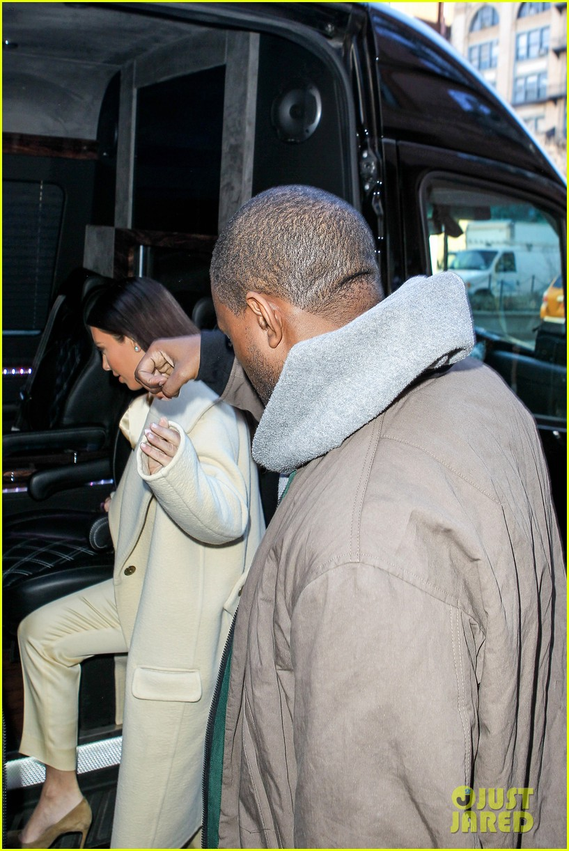 kim kardashian kanye west go shopping together in soho 02