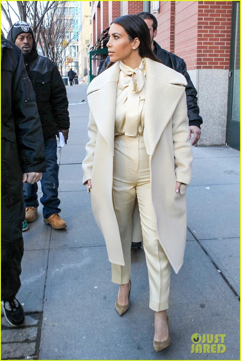 kim kardashian kanye west go shopping together in soho 173059776