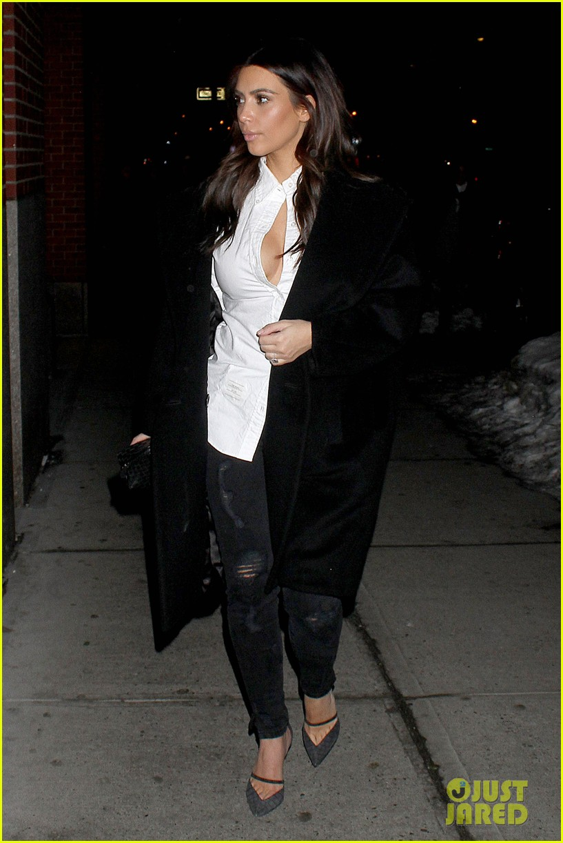 kim kardashian stays in nyc while kanye west continues tour 07