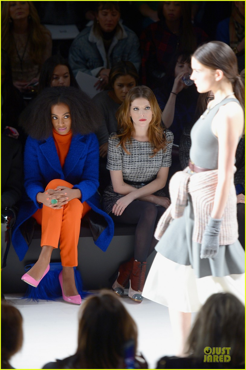 anna kendrick solange knowles milly by michelle smith fashion show 07