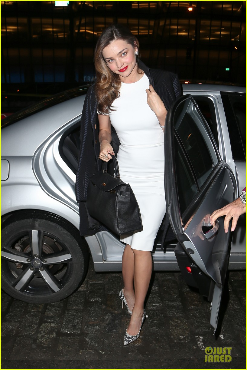 miranda kerr illuminates new york city with her beauty 03