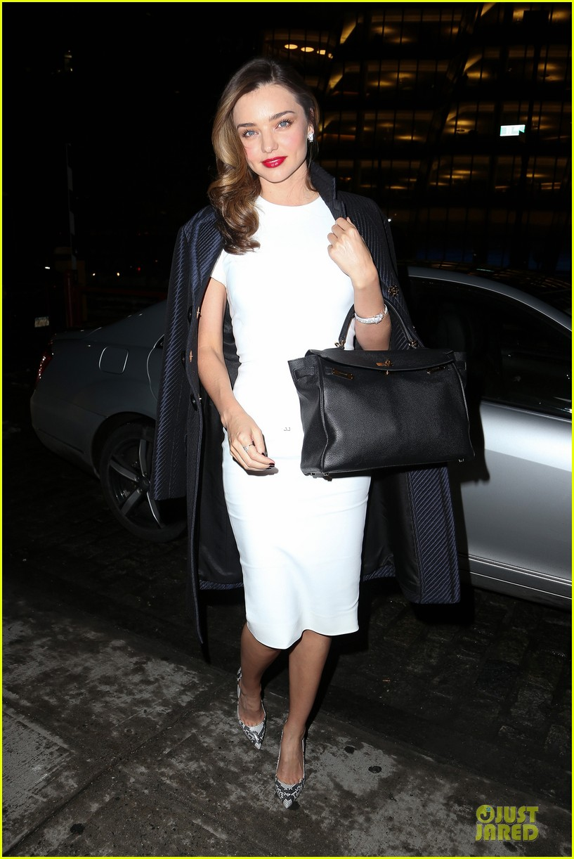 miranda kerr illuminates new york city with her beauty 09