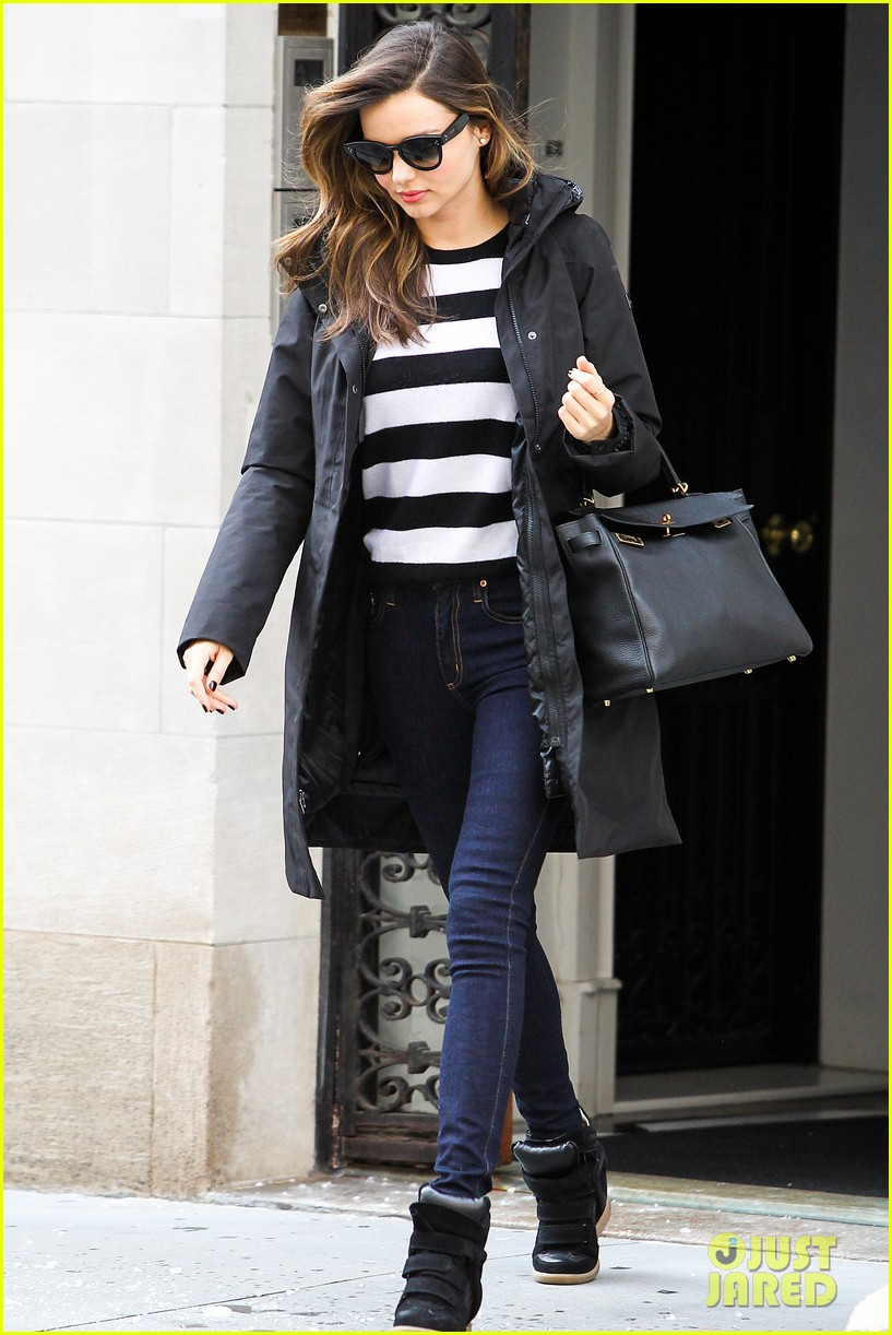 miranda kerr steps out after hm news 09