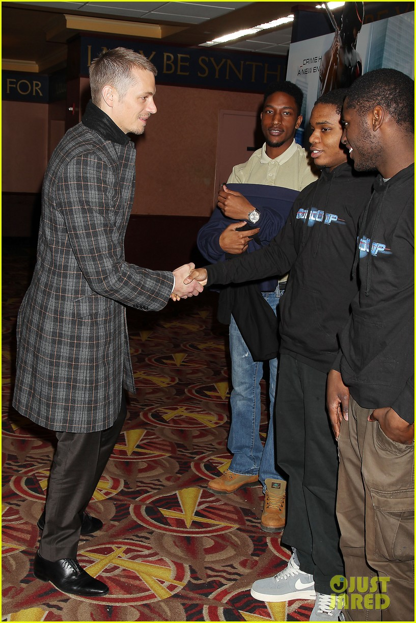 joel kinnaman surprises young fans at robocop screening 063052654