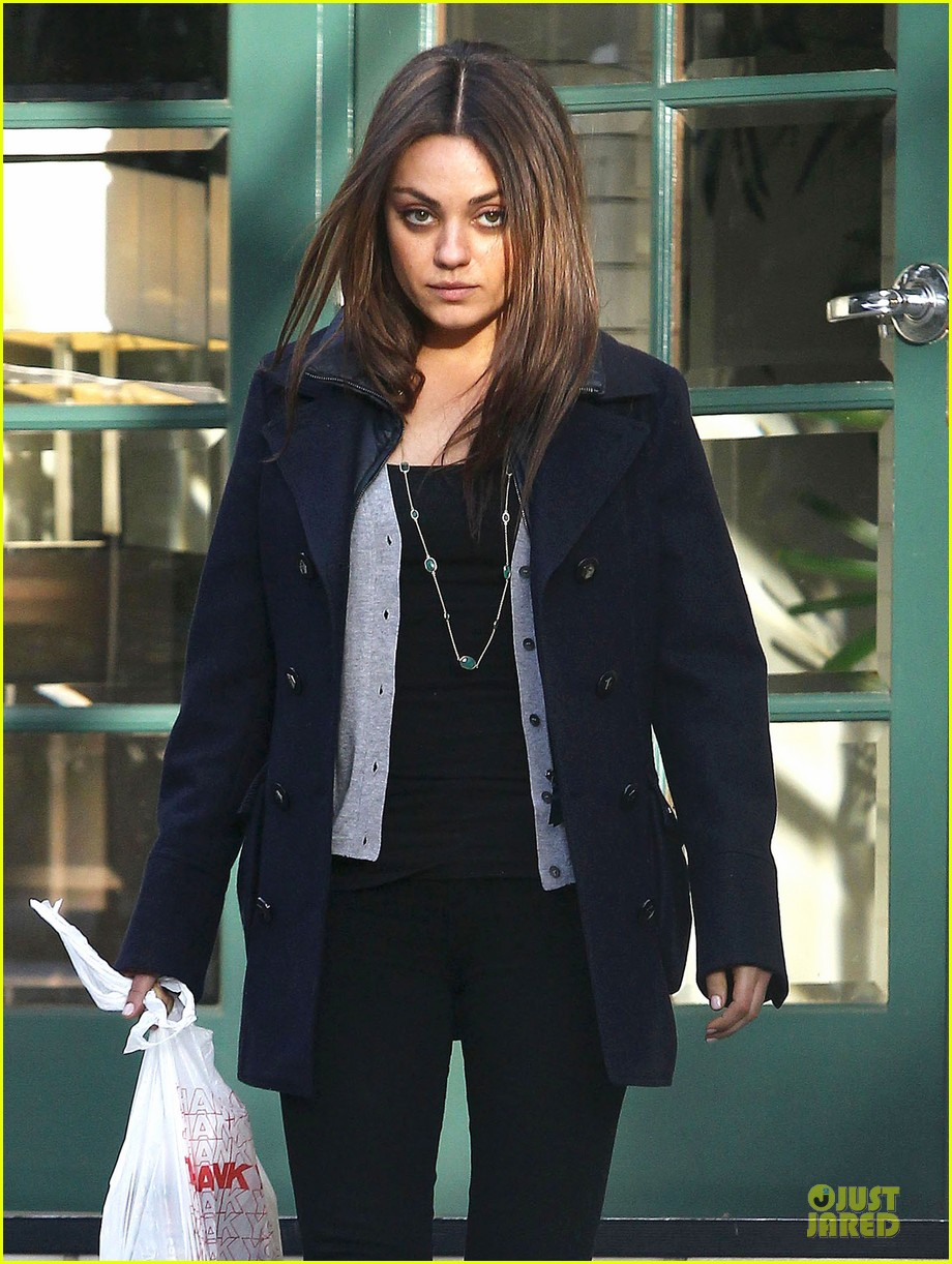 mila kunis new face of kentucky bourbon jim beam 02