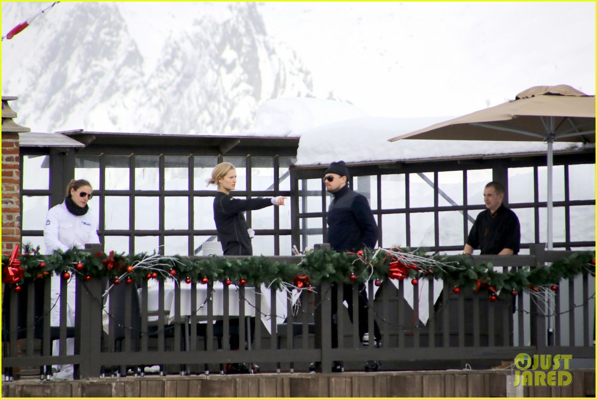 leonardo dicaprio toni garrn vacation in snowy french alps 073056320