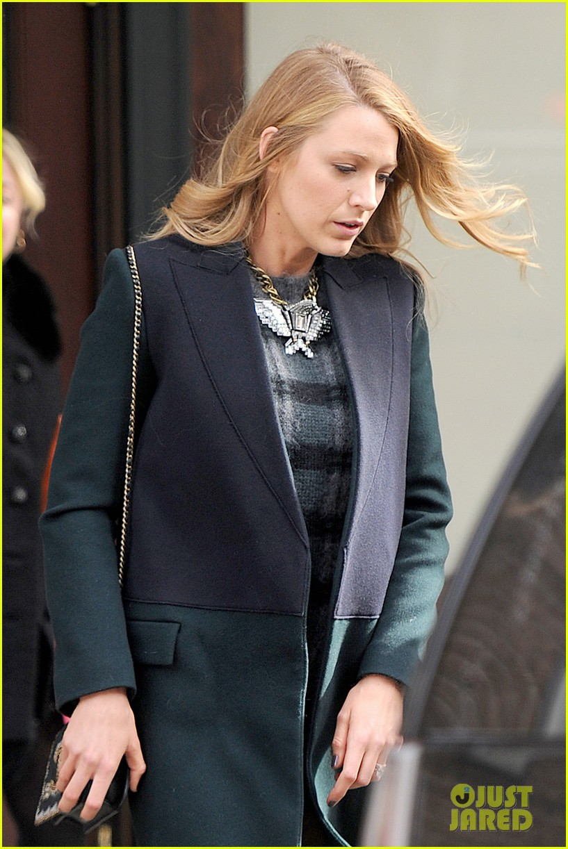 blake lively wears super short shorts in freezing new york 043052557