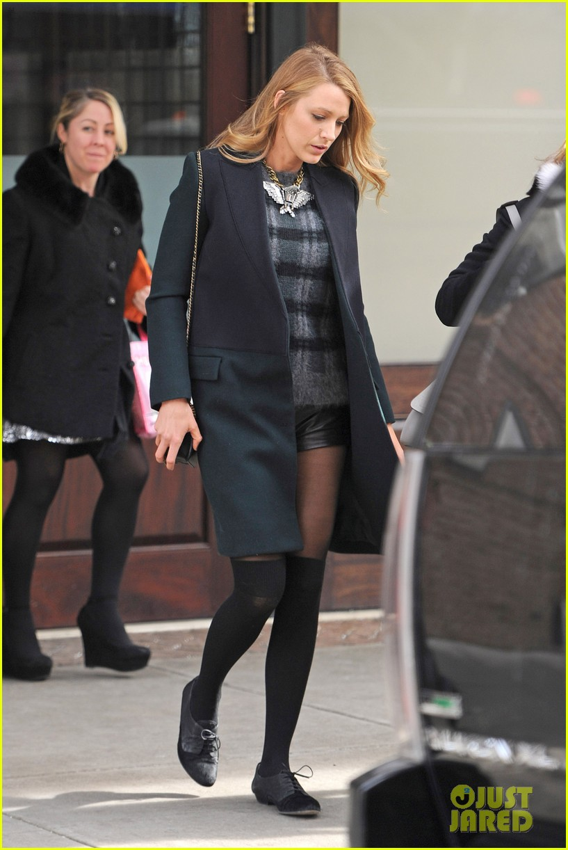 blake lively wears super short shorts in freezing new york 09