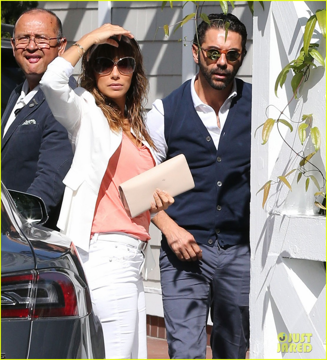 eva longoria jose baston share romantic kiss after brunch 06