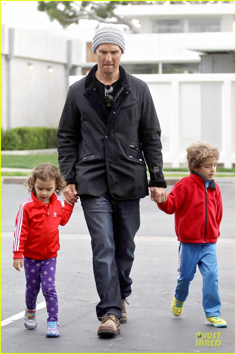 matthew mcconaughey lego movie showing with the kids 103056046