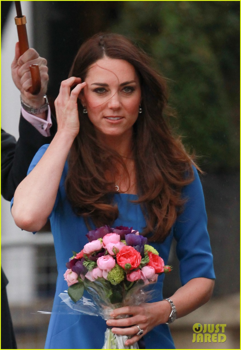 kate middleton opens the icap art room on valentines day 043053290