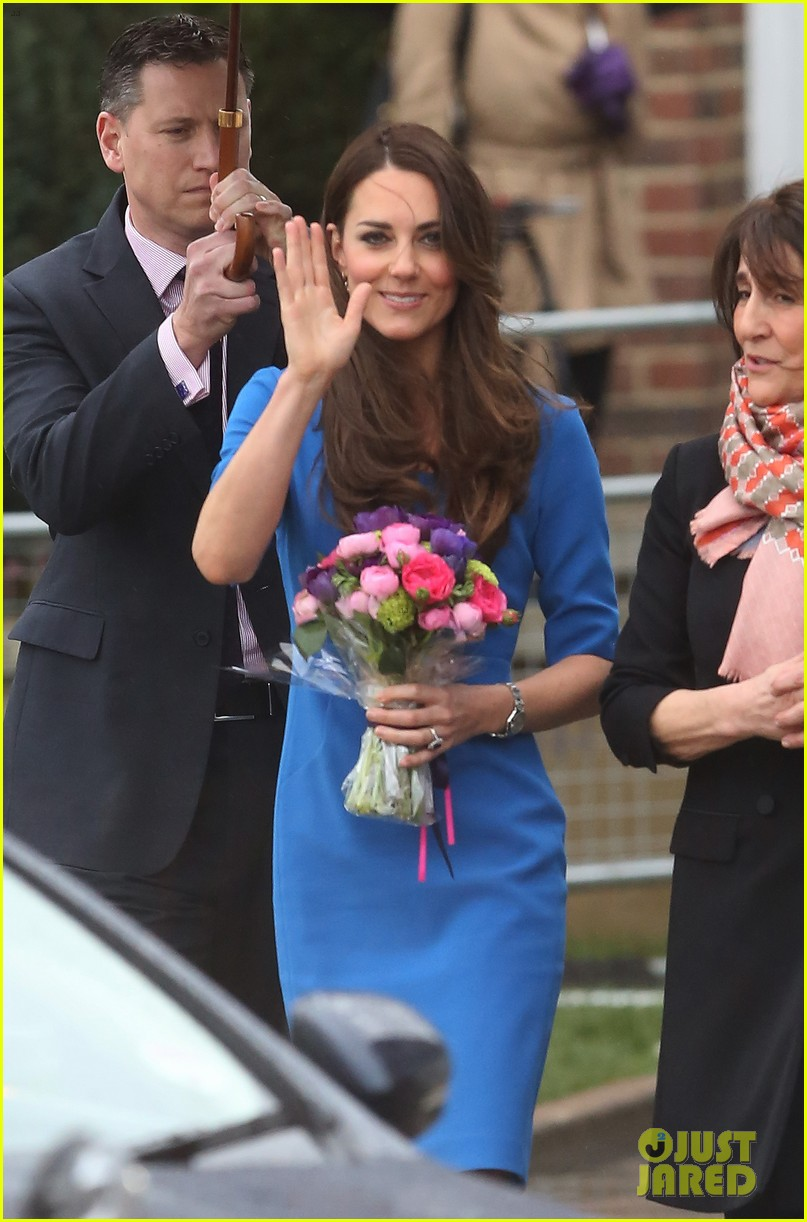 kate middleton opens the icap art room on valentines day 06