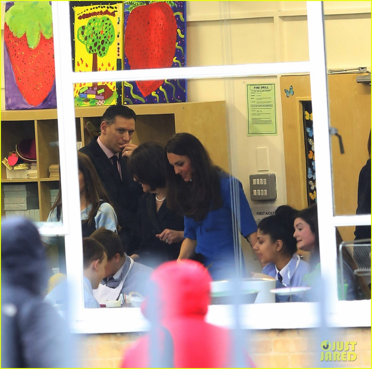 kate middleton opens the icap art room on valentines day 14