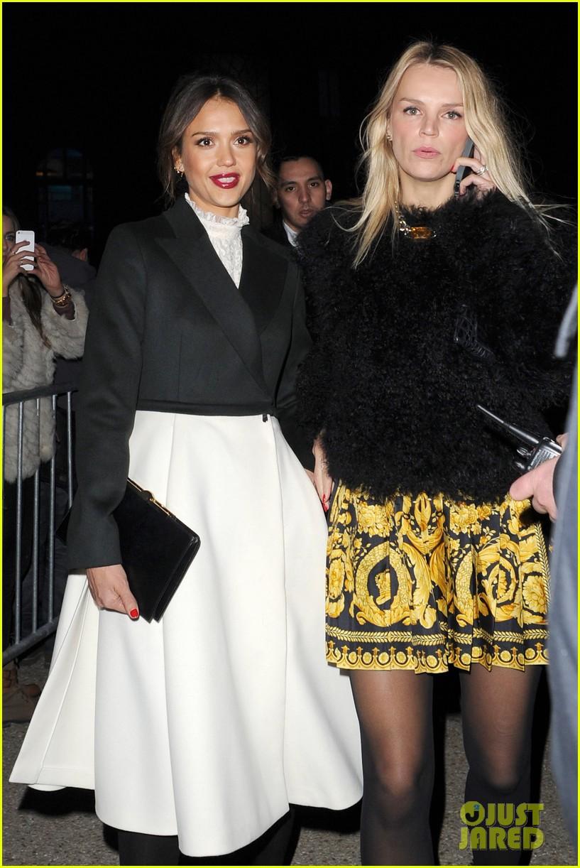 miranda kerr jessica alba hm paris fashion show 173061132