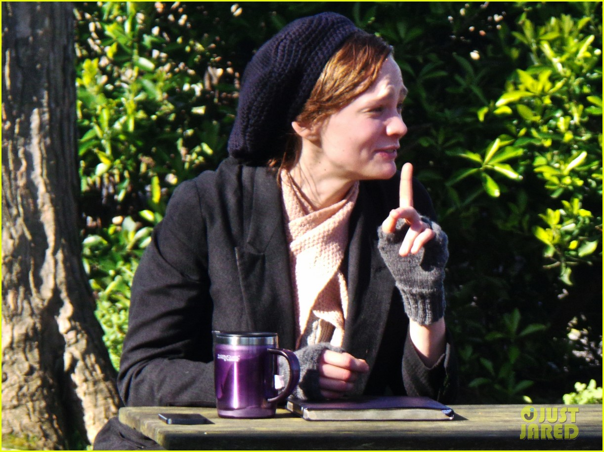 carey mulligan begins filming suffragette in london 06