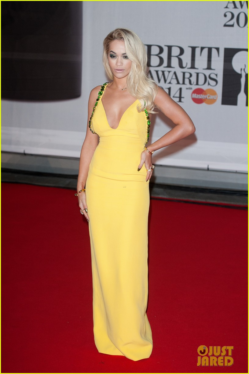 rita ora calvin harris brit awards 2014 rec carpet 063056292