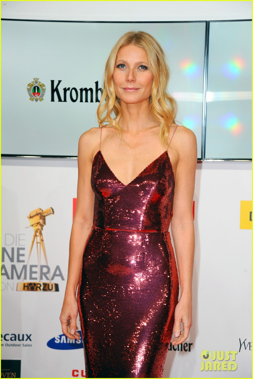gwyneth paltrow is pink prada perfection at goldene kamera awards in berlin 103045819